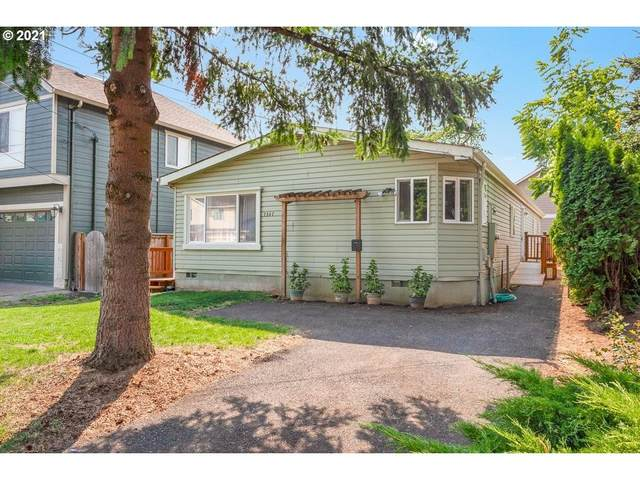 7347 SE 64TH Ave, Portland, OR 97206 (MLS #21087625) :: Lux Properties