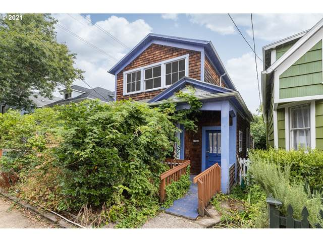 3322 S Corbett Ave, Portland, OR 97239 (MLS #21090622) :: The Pacific Group