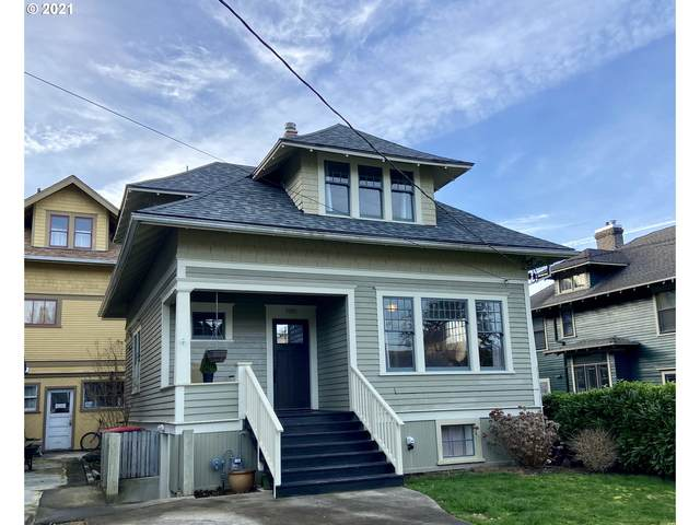 1061 14th St, Astoria, OR 97103 (MLS #21096165) :: TK Real Estate Group