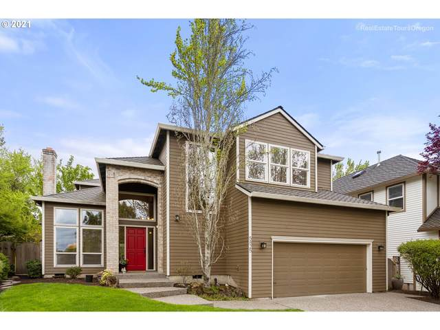 5825 Bay Point Dr, Lake Oswego, OR 97035 (MLS #21096728) :: Premiere Property Group LLC