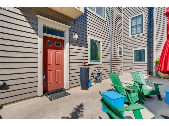 1540 SE Martins St J, Portland, OR 97202 (MLS #21097257) :: Holdhusen Real Estate Group