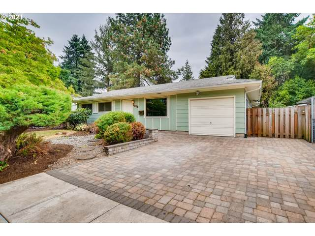 4816 SE Brookside Dr, Milwaukie, OR 97222 (MLS #21098109) :: Holdhusen Real Estate Group