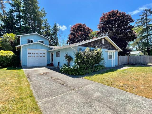 3545 Yew Ave, Coos Bay, OR 97420 (MLS #21098655) :: The Pacific Group