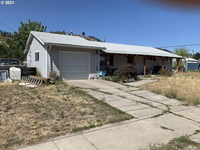 508 2ND St, La Grande, OR 97850 (MLS #21100399) :: Premiere Property Group LLC
