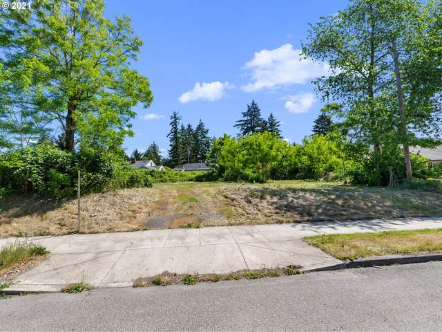 5716 SE 122ND Ave, Portland, OR 97236 (MLS #21100878) :: Real Tour Property Group