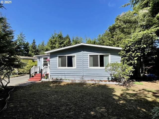 203 Costa Ct, Coos Bay, OR 97420 (MLS #21101914) :: McKillion Real Estate Group