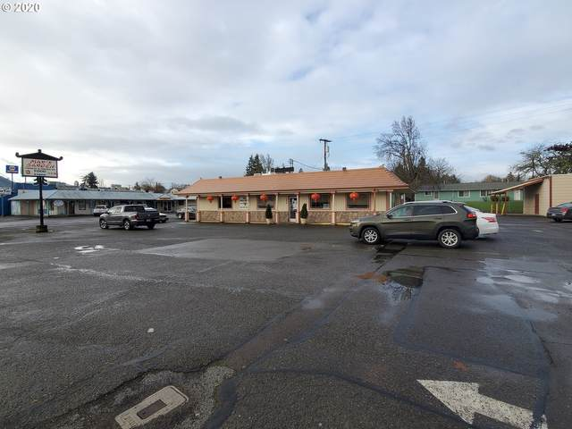 309 SW Main St, Winston, OR 97496 (MLS #21102984) :: Fox Real Estate Group