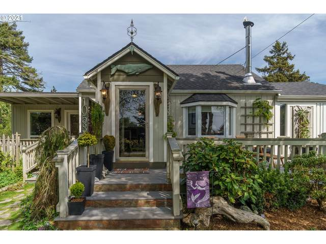 1053 SE Chicago Ave, Bandon, OR 97411 (MLS #21109857) :: The Pacific Group