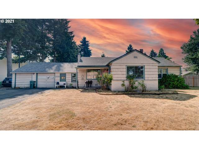 1325 SE 21ST Ave, Hillsboro, OR 97123 (MLS #21110000) :: Real Tour Property Group