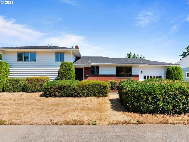 10833 SE Stephens St, Portland, OR 97216 (MLS #21113242) :: Fox Real Estate Group