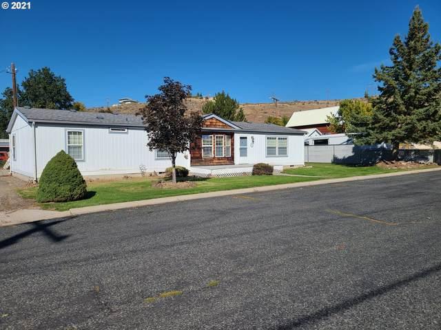 1110 Grove St, Baker City, OR 97814 (MLS #21114928) :: Premiere Property Group LLC