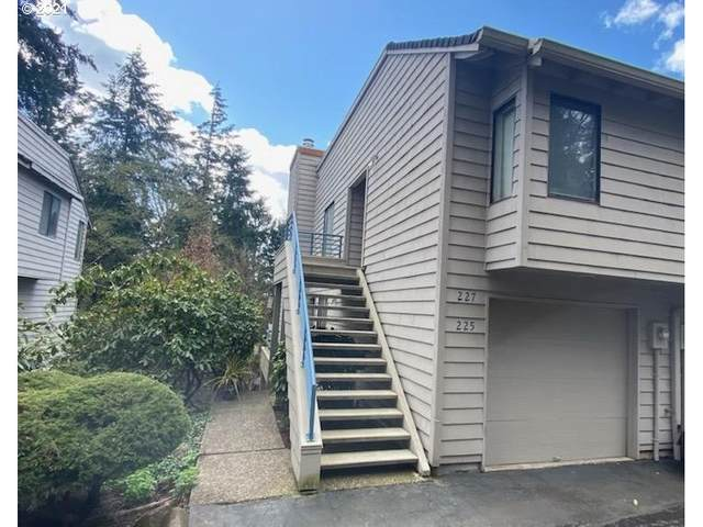 225 Cervantes, Lake Oswego, OR 97035 (MLS #21121027) :: Next Home Realty Connection