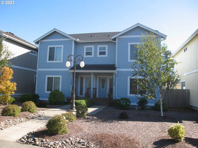1126 9TH St, Florence, OR 97439 (MLS #21130892) :: Coho Realty