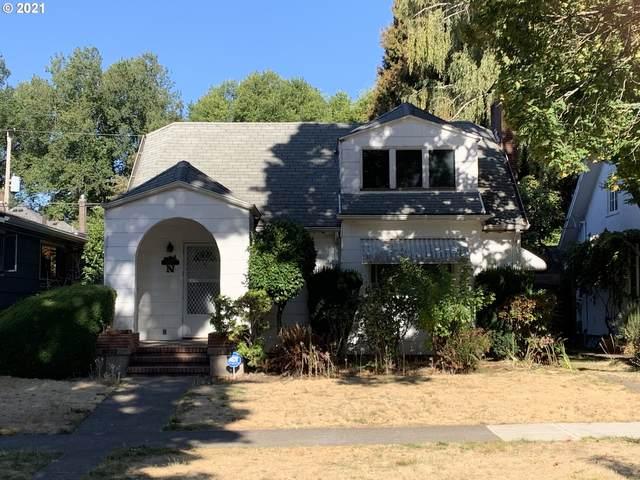 1955 SE Locust Ave, Portland, OR 97214 (MLS #21132020) :: Lux Properties