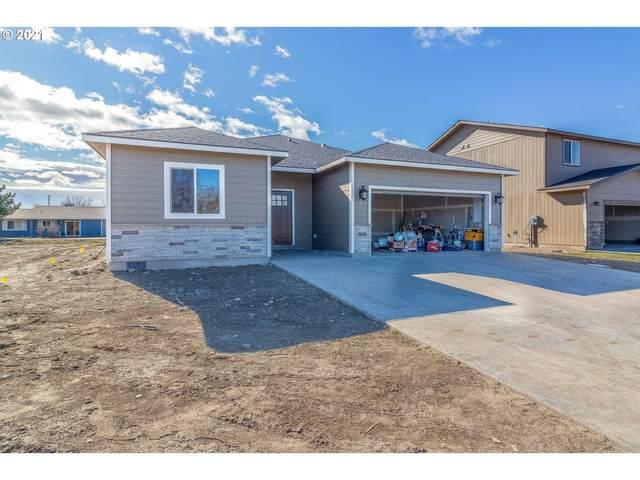 302 Riverwood Ct, Umatilla, OR 97882 (MLS #21133955) :: Premiere Property Group LLC