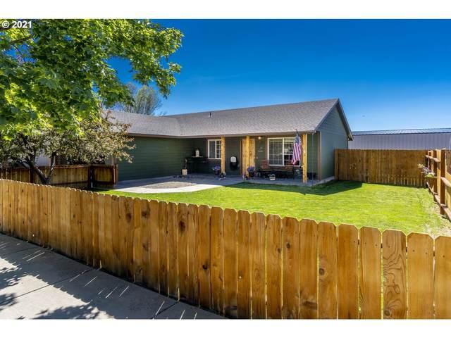 2135 NE Elk St, Prineville, OR 97754 (MLS #21135006) :: Gustavo Group