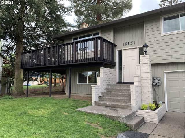 18931 Blue Ridge Dr, Oregon City, OR 97045 (MLS #21137308) :: Fox Real Estate Group