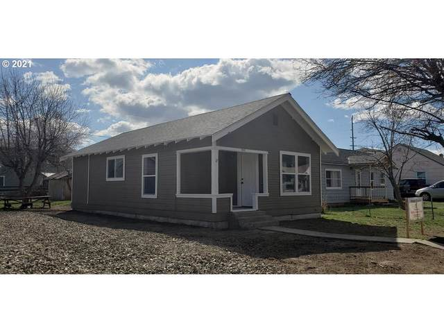 940 Resort St, Baker City, OR 97814 (MLS #21140597) :: Beach Loop Realty