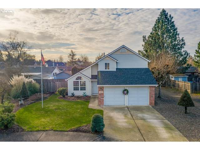 310 E Sunset Dr, Newberg, OR 97132 (MLS #21141054) :: Townsend Jarvis Group Real Estate