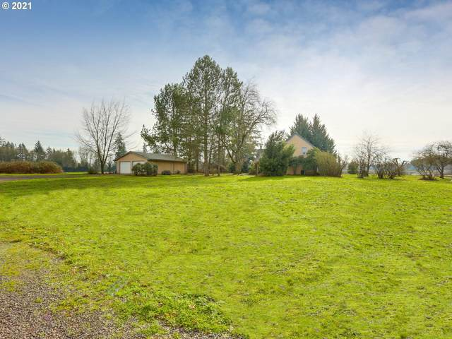 9300 NE Parrish Rd, Newberg, OR 97132 (MLS #21144408) :: Fox Real Estate Group