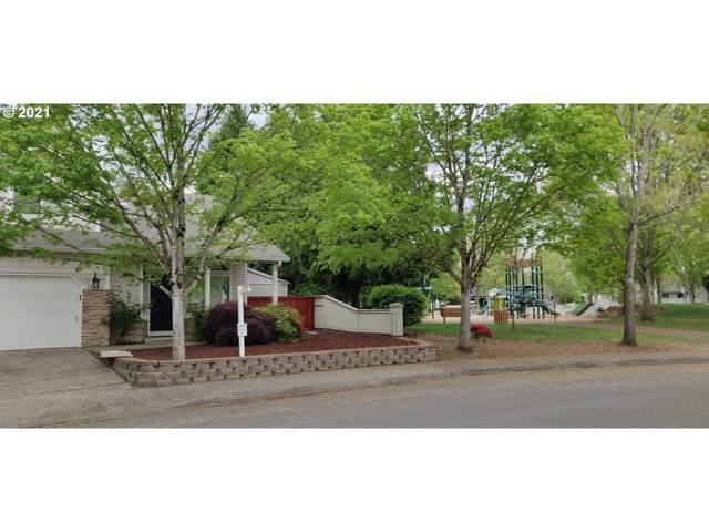 18220 SE 18TH St, Vancouver, WA 98683 (MLS #21144444) :: Cano Real Estate