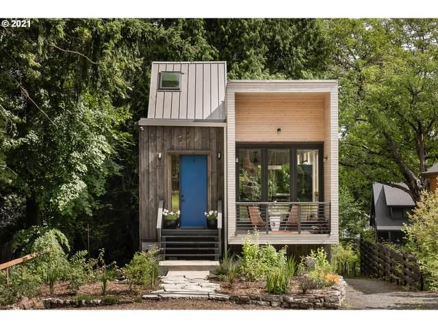 4233 NE Ainsworth St NE, Portland, OR 97218 (MLS #21145365) :: Fox Real Estate Group