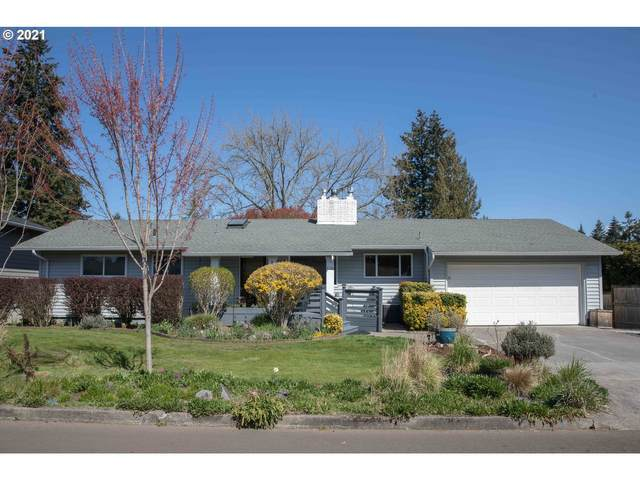 1939 SE Oak Crest Dr, Hillsboro, OR 97123 (MLS #21148321) :: Brantley Christianson Real Estate