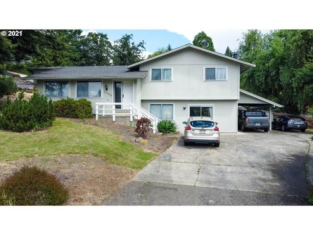 1584 NW Evans Ave, Roseburg, OR 97471 (MLS #21153028) :: Beach Loop Realty