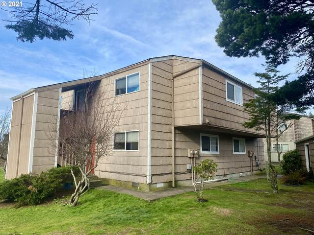 810 S Holladay Dr, Seaside, OR 97138 (MLS #21154608) :: Fox Real Estate Group