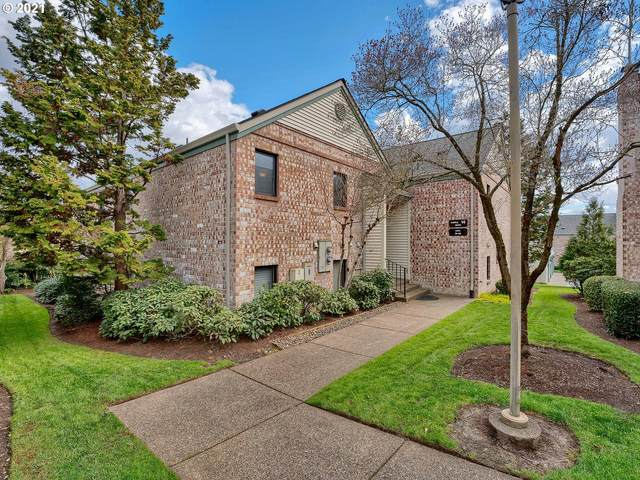 16370 SW 130TH Ter #81, Tigard, OR 97224 (MLS #21155187) :: Fox Real Estate Group