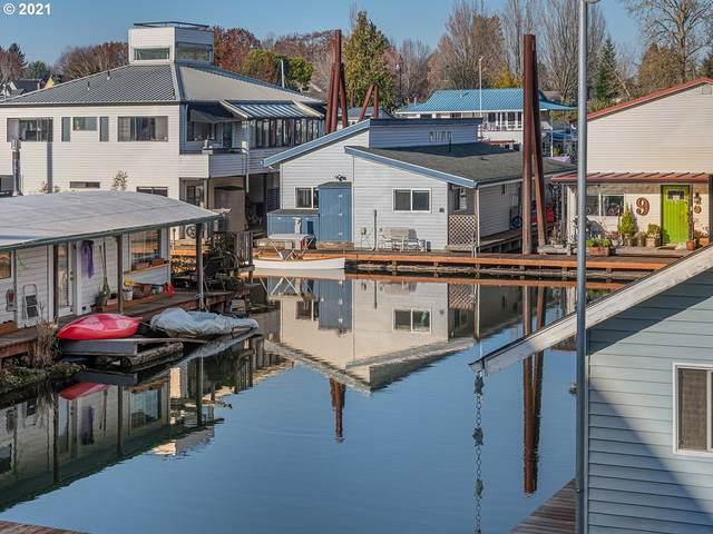 205 N Bridgeton Rd #8, Portland, OR 97217 (MLS #21155654) :: Windermere Crest Realty