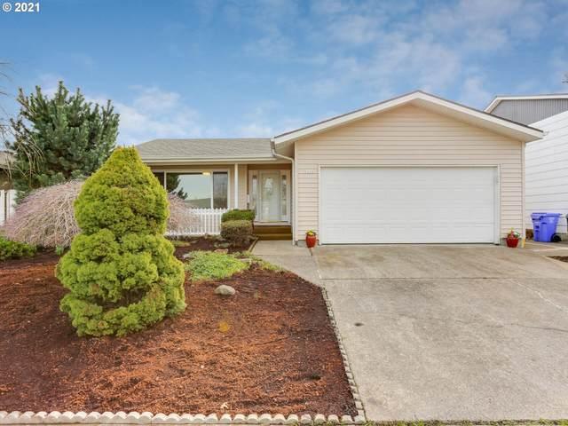 9224 SE Market St, Portland, OR 97216 (MLS #21156066) :: Brantley Christianson Real Estate