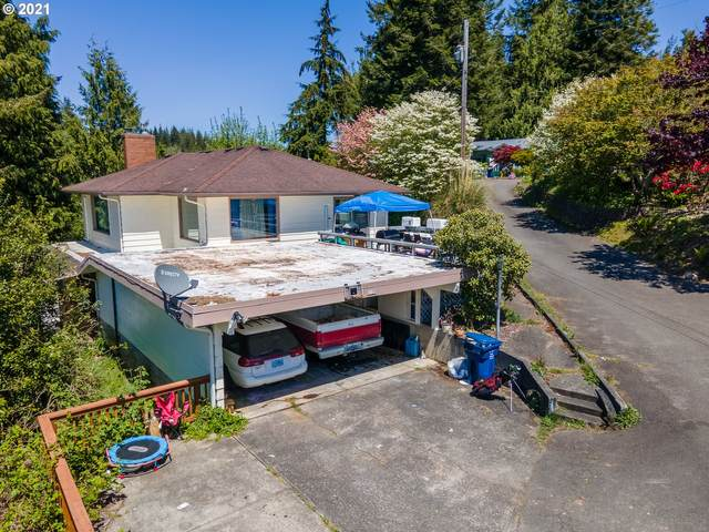 1120 E 1ST Pl, Coquille, OR 97423 (MLS #21160436) :: Beach Loop Realty