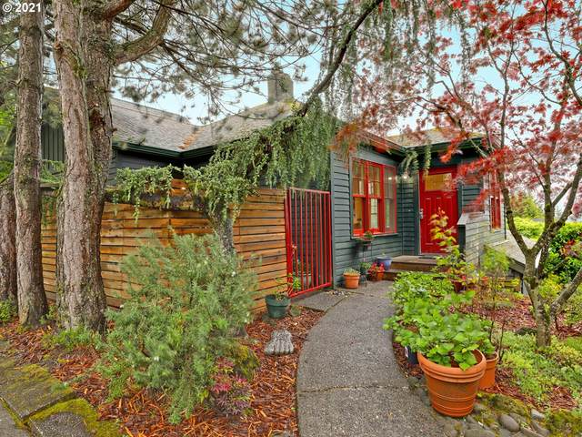 3550 SW Woods St, Portland, OR 97221 (MLS #21161820) :: Real Tour Property Group