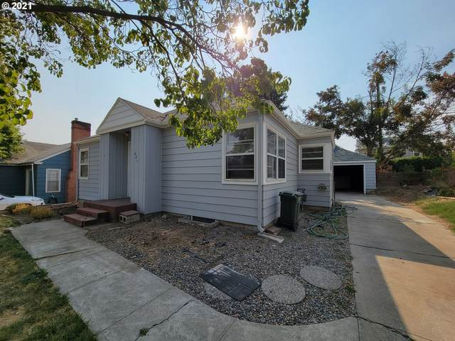 621 NW 8TH St, Pendleton, OR 97801 (MLS #21163044) :: Townsend Jarvis Group Real Estate