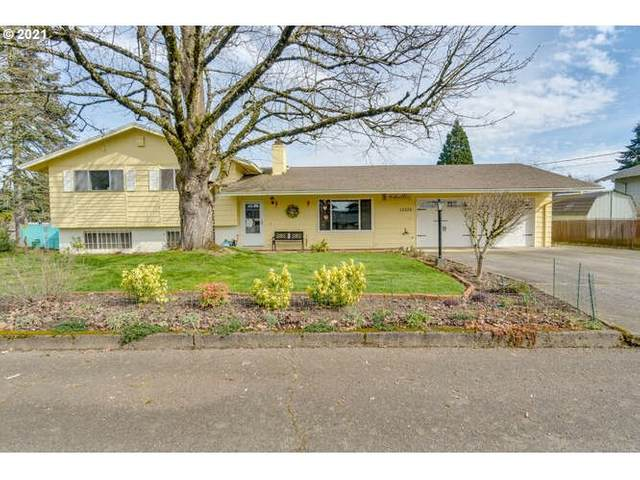 15052 SE Orchid Ave, Milwaukie, OR 97267 (MLS #21164428) :: McKillion Real Estate Group
