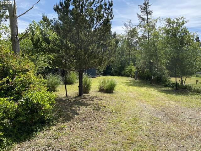 32204 K Pl, Ocean Park, WA 98640 (MLS #21172349) :: Townsend Jarvis Group Real Estate