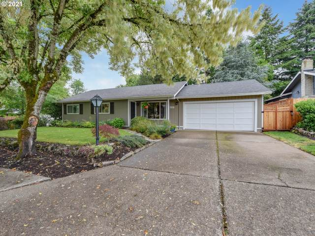 11032 SW 81ST Ave, Tigard, OR 97223 (MLS #21179220) :: Brantley Christianson Real Estate