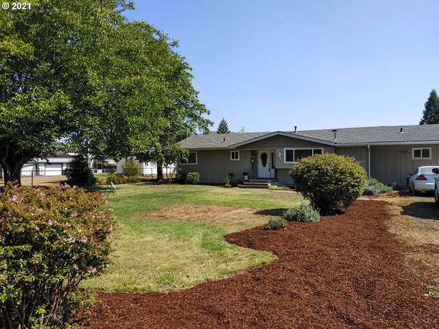 462 Glenbrook Loop Rd, Riddle, OR 97469 (MLS #21179784) :: Townsend Jarvis Group Real Estate