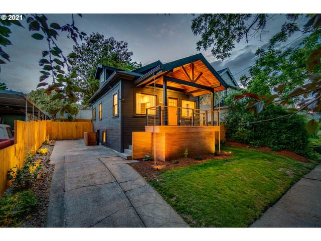 8525 SE 21ST Ave, Portland, OR 97202 (MLS #21182146) :: McKillion Real Estate Group