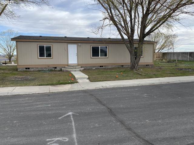 300 SE Sonoma St, Boardman, OR 97818 (MLS #21182774) :: Townsend Jarvis Group Real Estate