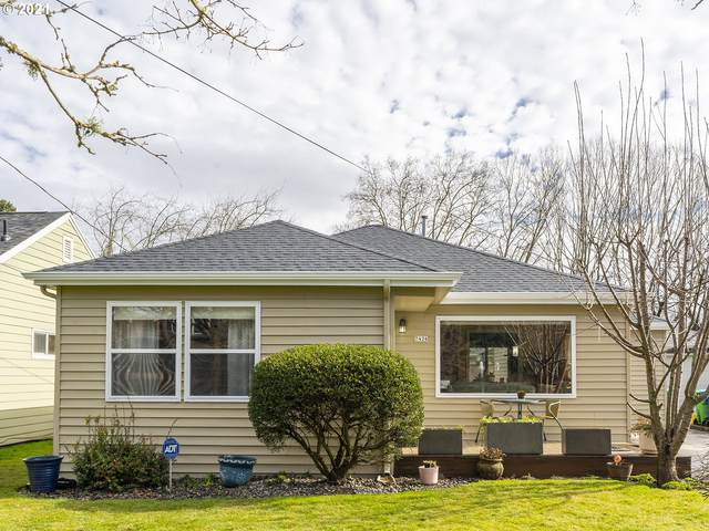 7426 N Newman Ave, Portland, OR 97203 (MLS #21187369) :: Fox Real Estate Group