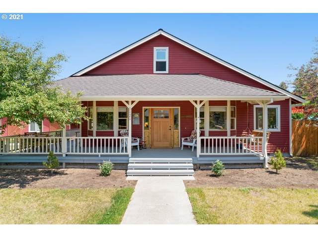 1121 E Canter Ct, Sisters, OR 97759 (MLS #21187557) :: Stellar Realty Northwest
