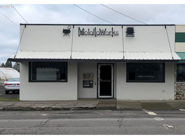 217 E Main St, Molalla, OR 97038 (MLS #21188727) :: Lux Properties