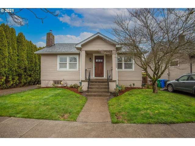 2025 SE Reedway St, Portland, OR 97202 (MLS #21191620) :: Premiere Property Group LLC