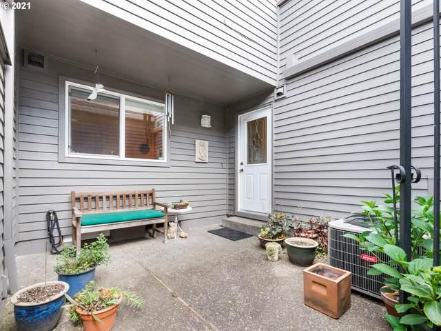 43 Greenridge Ct, Lake Oswego, OR 97035 (MLS #21192313) :: Lux Properties
