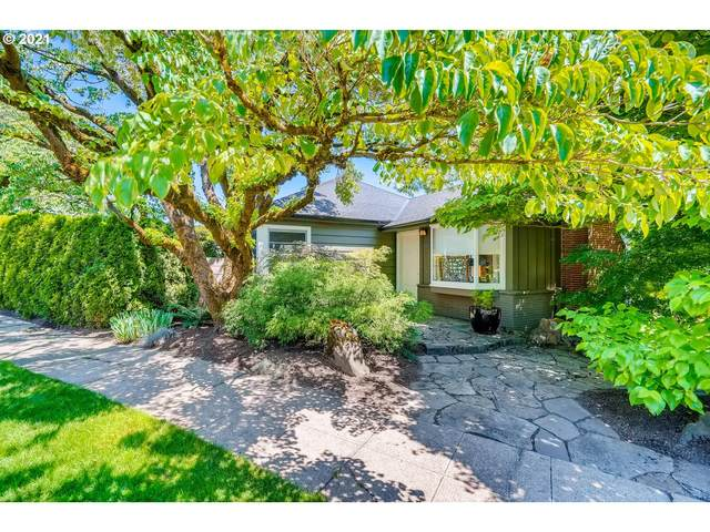 8007 SW Burlingame Ave, Portland, OR 97219 (MLS #21194251) :: Cano Real Estate