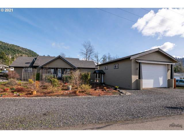 82 N Hyland Ln, Lowell, OR 97452 (MLS #21194918) :: Duncan Real Estate Group