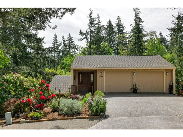 2244 Valley Ct, West Linn, OR 97068 (MLS #21196263) :: Fox Real Estate Group