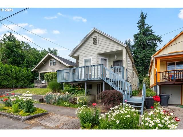 3025 SE 9TH Ave, Portland, OR 97202 (MLS #21198652) :: McKillion Real Estate Group